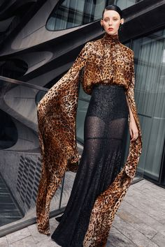 Naeem Khan Spring 2021 Ready-to-Wear Collection - Vogue Fashion 2020, Star Fashion, Love Fashion, Fashion News, Fashion Show, Modern Fashion, Fashion Prints, Dress Fashion, Naeem Khan