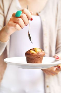 A FAIRE Muffins vegan et sans gluten aux poires - http://www.sweetandsour.fr // Sweet & Sour | Healthy & Happy Living VENDREDI