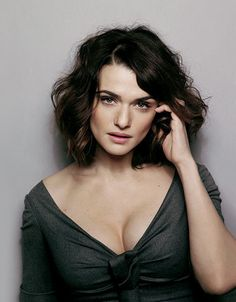 Floyd-Lapp Rachel Weisz- love this hair! Rachel Weisz is an amazing actress. Girl Crushes, Pretty People, Beautiful People, Actrices Sexy, Looks Style, Bob Hairstyles, Bob Haircuts, Korean Hairstyles, Beautiful Actresses