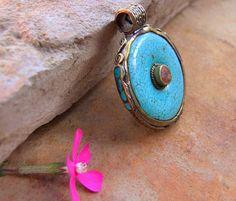 Tibetan pendant. Tibetan jewellery. Ethnic jewellery.