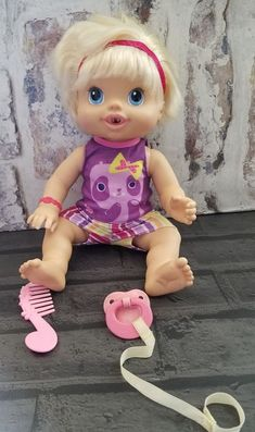 Baby Alive Doll Wet 'n Wiggles Drinks Kicks Giggles Blonde Blue Eyes 2010 Hasbro #Hasbro #DollswithClothingAccessories