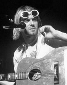 Love you Kurt! Banda Nirvana, Nirvana Band, Nirvana Kurt Cobain, Angsty Teen, Kurt And Courtney, Donald Cobain, Seattle, Forever, Pretty Baby