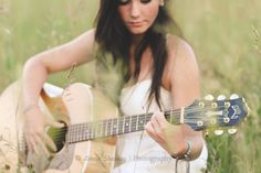 ©Laura Sharkey Photography  #Senior #Guitar