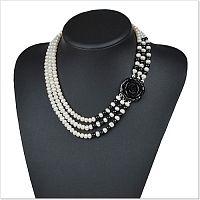 Ожерелье из речного жемчуга и черного агата