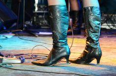 Evento gratuito realizado em Belford Roxo tem apresentação de bandas formadas por mulheres
