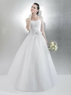 Tulle Ball Gown Strapless Neckline Wedding Dress