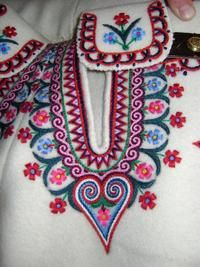Bordado polaco. Gmina Bukowina Tatrzańska Polish Folk Art, Color, Jewelry, Folklore, Poland, Gallery, Image, Polish Embroidery, Tutorials