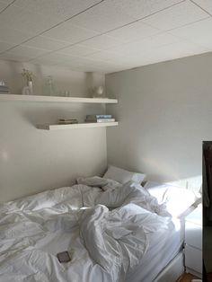 Next Bedroom, Room Ideas Bedroom, Small Room Bedroom, White Bedroom, Dream Bedroom, Apartment Bedroom Decor, Dream Apartment, Room Interior, Interior Design