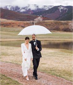 Samedi 9 avril, celle qui habille Nicole Richie, Jessica Alba ou encore Kate Hudson, s'est mariée avec Nico Mizrahi à Aspen. Un mariage aux sommets des montages largement immortalisé sur Instagram.