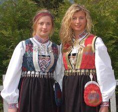 rukkastakk - Google-søk Folk Costume, Costumes, Going Out Of Business, Culture, Google, Fashion, Moda, Dress Up Clothes, La Mode