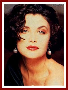 Sherilyn Fenn - actress Born 02/01/1965 Detroit, Michigan