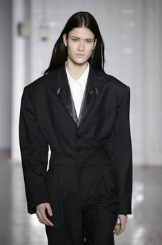 Shoulder pads will be prominent in Fall Winter 2017-2018