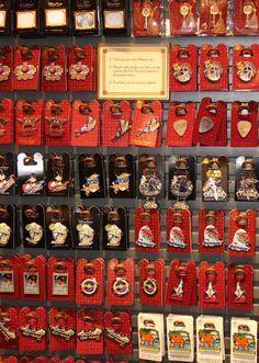 Buying Disney Pins