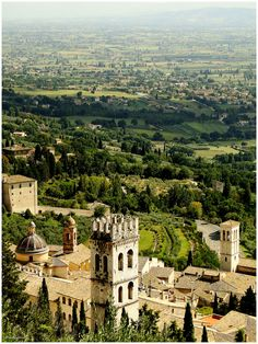 """mostlyitaly: """"  Assisi (Umbria, Italy) by by_margarettize """""""