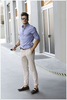 A smart casual combination of a light blue check dress shirt and beige chinos can maintain its relevance in many different circumstances. Tap into some David Gandy dapperness and complete your look with dark brown leather loafers. Mode Outfits, Casual Outfits, Casual Attire, Stylish Men, Men Casual, Smart Casual, Mdv Style, Men's Style, Beige Chinos
