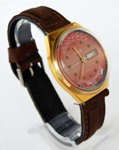 Men's Vintage Watch Gold plated Multicalendar 1980s  #Raketa #College #Gold #watch #gifthim #forhim #collectibles