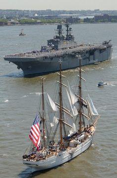 USS Iwo Jima LHD 7 Wasp class amphibious assault ship multi purpose US Navy Sailing Courses, Fleet Week, Old Sailing Ships, Navy Aircraft Carrier, Us Navy Ships, Iwo Jima, Naval, Wooden Ship, Tall Ships