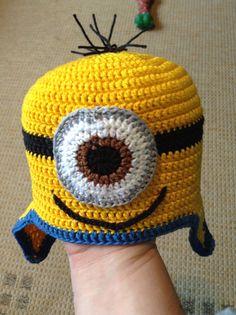 Touca de Minion de crochê. Minion crochet hat.