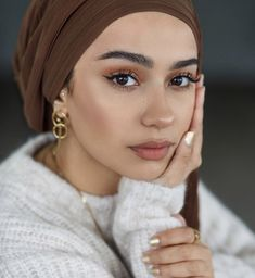 Discover Your Vibes with This 2019 Fall Makeup Trends - Girlsinsights Makeup Trends, Makeup Inspo, Makeup Inspiration, Fashion Inspiration, Natural Makeup Looks, Natural Make Up, Simple Makeup, Fresh Makeup Look, Natural Brows