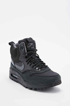 Nike Air Max Mid Top Trainers in Black