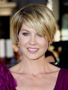 Over the Ear Haircuts for Women - Hair just over the ears can be a sexy low-maintenance look. Check out the best haircuts, including short hair bobs, loved by many celebrities.