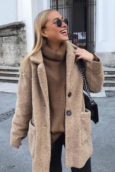 Outfits * 37 Simple Outfits Ideas For Everyday - Outfit Invernali Winter Fashion Outfits, Fall Winter Outfits, Autumn Winter Fashion, Autumn Nature, Winter Style, Summer Outfits, Simple Outfits, Trendy Outfits, Mantel Outfit