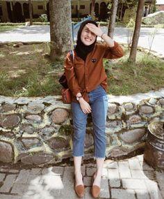 Tokyo Street Fashion, Street Hijab Fashion, Ootd Fashion, Fashion Outfits, Fashion 2020, Fashion Trends, Modern Hijab Fashion, Hijab Fashion Inspiration, Muslim Fashion