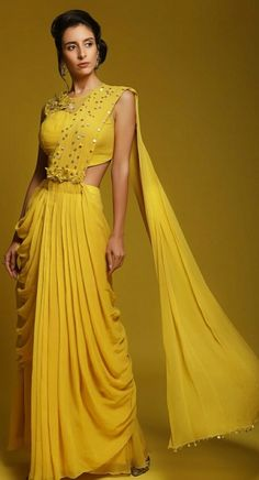 New Designer Dresses, Indian Designer Outfits, Saree Designs Party Wear, Saree Jacket Designs, Diwali Outfits, Fashion Illustration Dresses, Haldi Ceremony, Designer Bridal Lehenga, Saree Trends