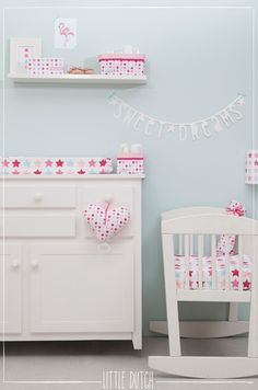 Little Dutch Sweet dreams!  #littledutch #little #dutch  #mixedstarspink #pink #roze #kidsroom #nursery #flamingo #stars #sterren