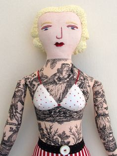 Estou loucamente viciado nos bonecos tatuados da Mimi Kirchner !