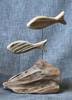 Driftwood fish mounted on a base: home accessories from un-tricot-vert – DRİFTWOOD Driftwood Fish, Driftwood Sculpture, Driftwood Furniture, Driftwood Projects, Wooden Decor, Wooden Diy, Wooden Crafts, Heart Diy, Wood Creations