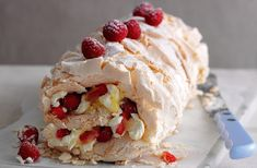 A simple Red berry meringue roulade recipe for you to cook a great meal for family or friends. Buy the ingredients for our Red berry meringue roulade recipe from Tesco today. Baking Recipes, Cake Recipes, Dessert Recipes, Food Cakes, Roulade Meringue, Meringue Pavlova, Meringue Pie, Just Desserts, Delicious Desserts