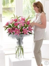 Deluxe Rose and Lily Hand-tied Happy Birthday Flower, Birthday Gifts, Mothers Day Flowers, Flowers Delivered, Local Florist, Glass Vase, Bouquet, Lily, Rose