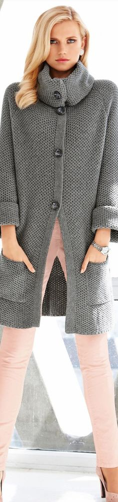 Madeleine Fall 2014 - Grey knit cardigan over pink skinny pants Winter Outfits, Casual Outfits, Sweater Coats, Sweaters, Knitted Coat, Wool Coat, Modelos Fashion, Langer Mantel, Winter Stil