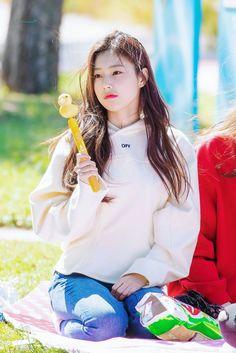 K-Pop Babe Pics – Photos of every single female singer in Korean Pop Music (K-Pop) Kpop Girl Groups, Kpop Girls, Gfriend Sowon, Japanese Girl Group, Thing 1, My Forever, 3 In One, Female Singers, Pop Group