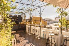 The Corner House : Un joli hôtel abordable de Séville. Fair Grounds, Urban, Table Decorations, Corner, House, Travel, Home Decor, Sevilla, Restaurants