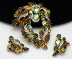 KRAMER Vintage 1950s Amber Topaz Peridot Borealis Rhinestone Brooch Earring SET #Kramer