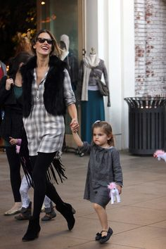 Pregnant Angel! Alessandra Ambrosio takes her daughter shopping
