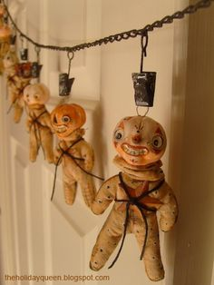Twinkle Tot Ornaments.  Work in progress... http://theholidayqueen.blogspot.com