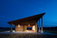 Image 2 of 12 from gallery of Terry Trueblood Boathouse / ASK Studio. Photograph by Cameron Campbell Education Architecture, Modern Architecture, Architectural Digest, Tiny House Cabin, Design Awards, Wood Design, Studio, Boathouse, House Styles