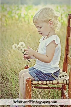 Picking dandelions | Children's Photographer | Heidi Wood Photography | Clayton NC