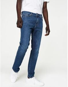Ian Slim Fit Jeans Heavy Stone Wash aus Bio-Baumwolle #vegan #veganemode #fairfashion Jeans Fit, Mom Jeans, Fairtrade, Slim Fit, Denim, Fitness, Pants, Shopping, Fashion