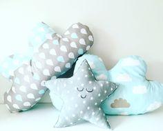 Grijze blauwe wolkjes en ster #ster #stof #kussen #wolk #babykamer #baby