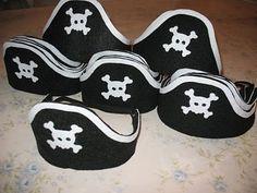 Chapéu de pirata em feltro. Felt Pirate hats.