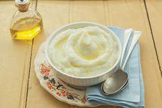 Cremoso, lisinho, esse purê aproveita até o talo da couve-flor. Com sabor mais neutro que o purê de batatas, é ideal para acompanhar peixes e outras preparações delicadas.