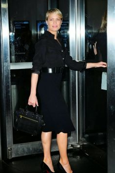 """Passage des perles: Strict style: Robin Wright's """"House of Cards"""" wardrobe"""