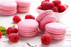 A recap of my macaron baking adventures, from total fails to resounding successes, and everything in between. It's the summer of the macaron! Coconut Hot Chocolate, Molten Lava Cakes, Snacks Sains, Morning Food, Piece Of Cakes, Macaroons, Clean Eating Snacks, Raspberry, Food And Drink
