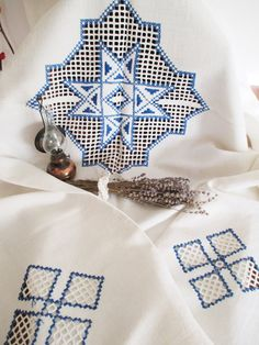 11 . Vintage linen hand embroidered pure linen tablecloth