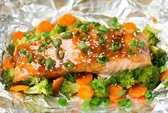 Honey Teriyaki Salmon and Veggies in Foil - Cooking Classy. Reduce honey to 2 Tbsp. Salmon In Foil Recipes, Fish Recipes, Seafood Recipes, Recipies, Salmon Dishes, Seafood Dishes, Healthy Food Options, Healthy Recipes, Clean Recipes