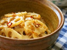 Lotus Root Salt Kinpira For Obento Recipe - Yummy this dish is very delicous. Let's make Lotus Root Salt Kinpira For Obento in your home! Best Dishes, Side Dishes, Lotus Root Recipe, Japanese Soup, Yummy Food, Tasty, First Bite, I Want To Eat, Serving Dishes